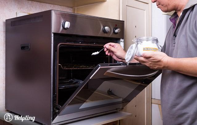 pulire il fornpo con bicarbonato - Helpling