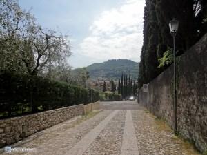 Улочка в Гарде (Италия)