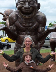 smiling statue Smiling Gone Viral
