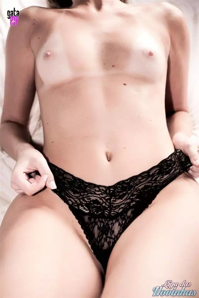 mily-cunha-nua-pelada-44