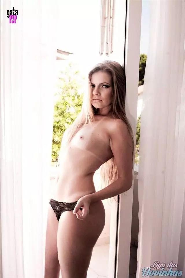 mily-cunha-nua-pelada-54