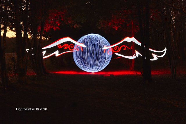 Lightpaint orb by @yo_hoho