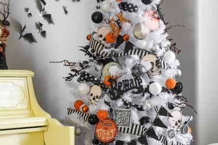 halloween tree 2016 1