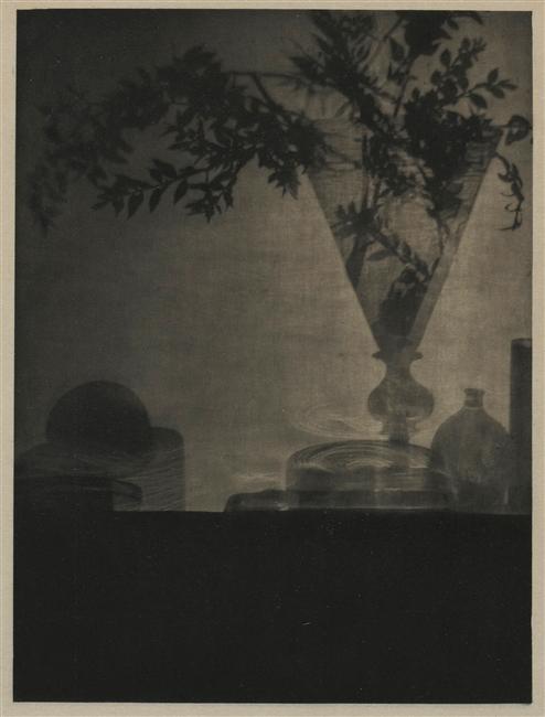 Glass_and_shadows,_Camera_Work_octobre_1912,_by_Adolf_de_Meyer