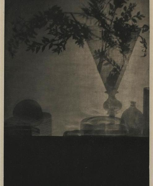 Glass_and_shadows,_Camera_Work_octobre_1912,_by_Adolf_de_Meyer