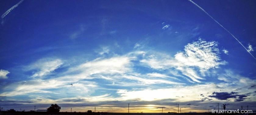 cielo azul cielo nublado | Agregar texto a una imagen con ImageMagick