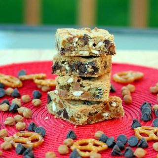 Chocolate Caramel Crunch Cookie Bars