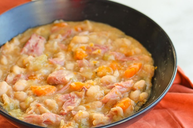 Lisa's Dinnertime Dish:  Slow Cooker Ham Bone and Navy Bean Soup