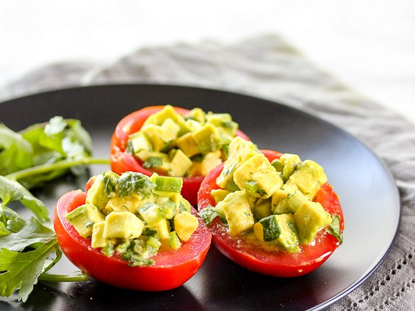 Avocado-Stuffed-Tomatoes-5081