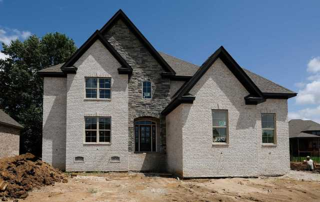 $489,900 - 4Br/5Ba -  for Sale in Autumn Ridge, Spring Hill