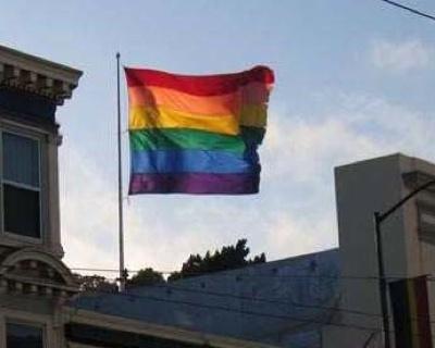 Rainbowflagcastrosf2005