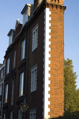 Thin House, London, Uk 1