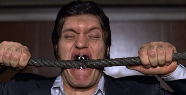 jaws-moonraker-james-bond-richard-kiel-metal-teeth