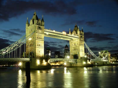 180-400X-Tower Bridge