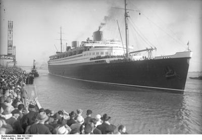"""Bundesarchiv Bild 102-11081, Schnelldamper """"Bremen"""""""