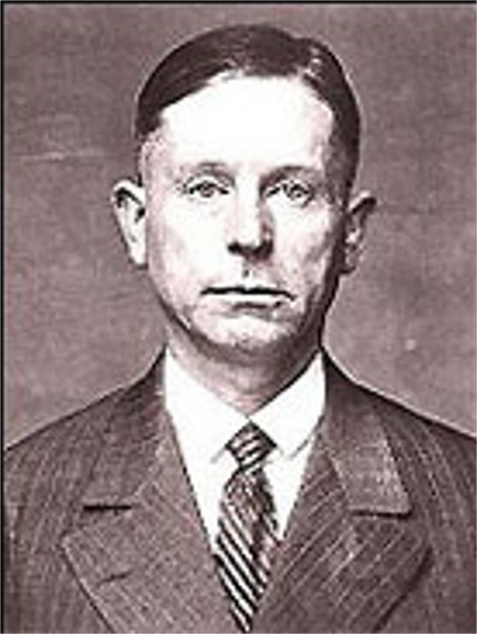a biography of peter kurten the vampire of dusseldorf Peter kürten was born into extreme deprivation and poverty in köln-mullheim, a  suburb of cologne, germany on 26 may 1883 the eldest of thirteen children,.