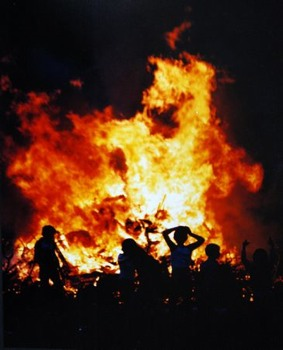 Bonfire-Night-Sarsfield-Tce