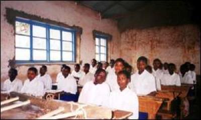 1535800 School300Bbc.Jpg