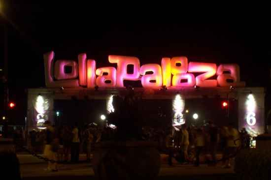 800Px-Lollapalooza Sign1