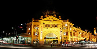 Flinders_st_station_at_night