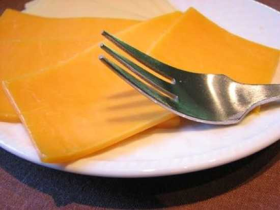 Article-New Ehow Images A05 M0 Tn Difference-Cheese-Food-Regular-Cheese-800X800
