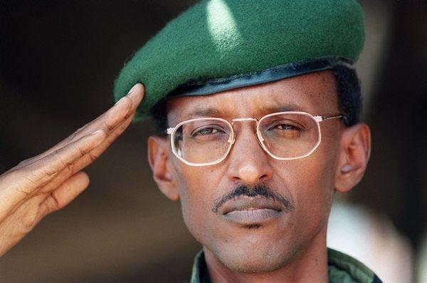 Paul-Kagame-Saluting