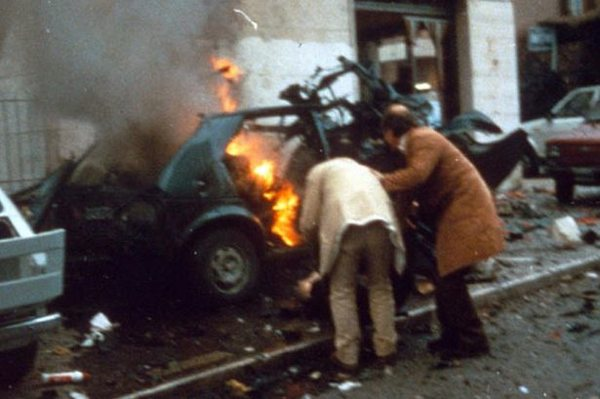 Aftermath-Of-A-Mafia-Car-Bomb-In-Italy-1984-532897012