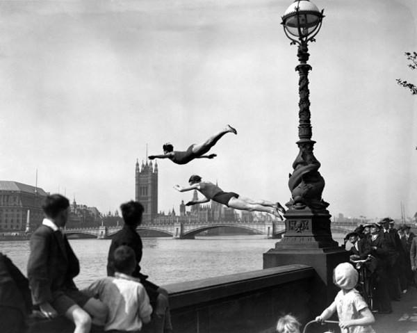 1934-Thames-Dive 1912258I