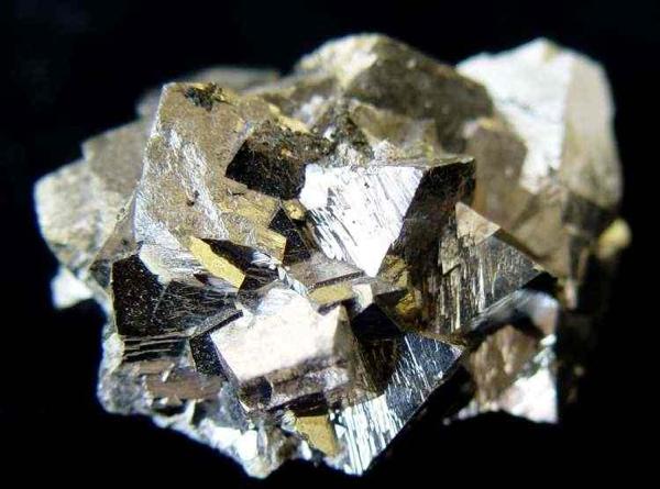 how to tell the difference between iron pyrite and gold
