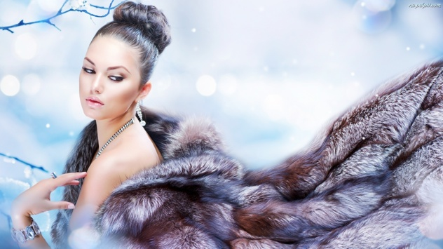 Bizuteria-Kobieta-Makijaz-Futro-Zima