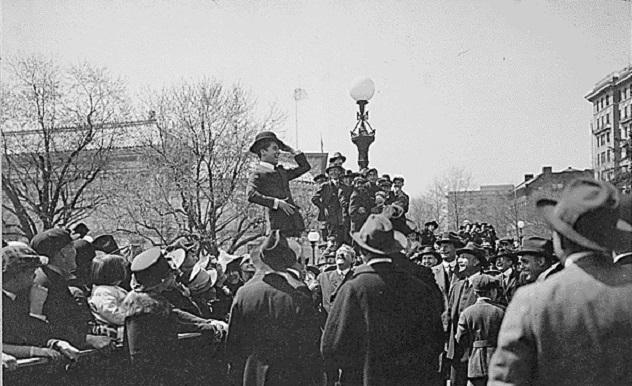 Charlie_Chaplin_1918