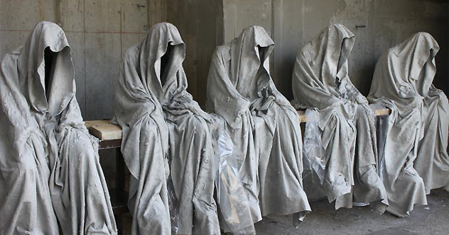 contemporary-art-design-sculpture-show-ghost-time-guardians- waechter-sculptor-artist-manfred-kielnhofer-kili-713343