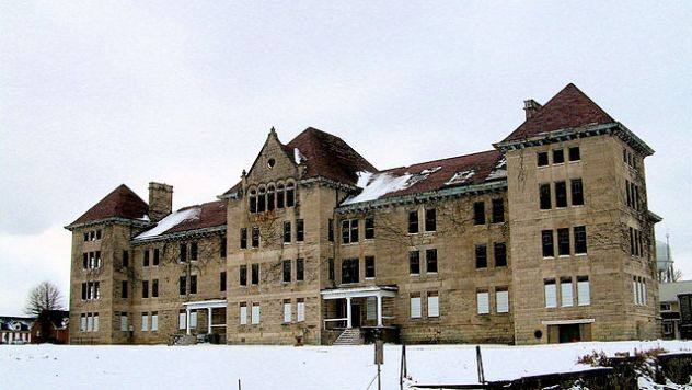 640px-Peoria_State_Hospital