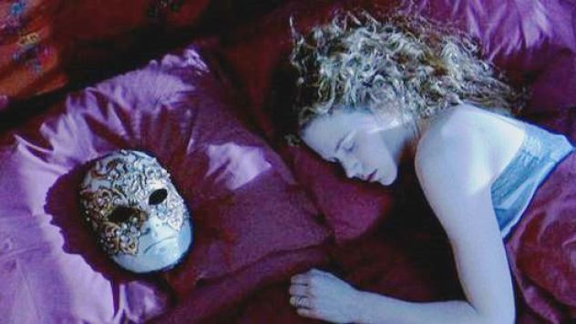 Eyes-wide-shut_2