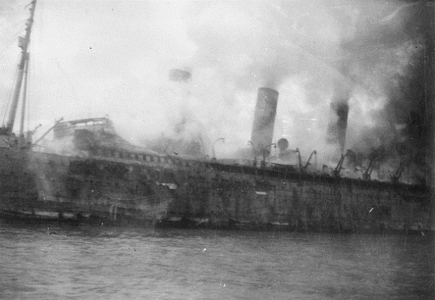 RMS_Empress_of_Asia_on_fire_after_IJN_air_attack_(2)