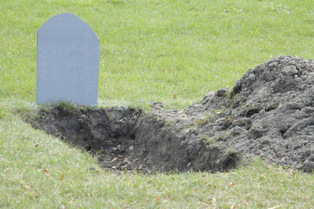 6 Grave