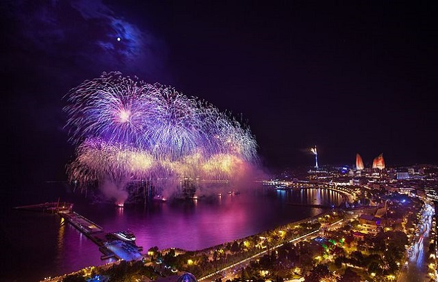 1st_European_Olympic_Games_countdown_beginning_salutes_in_Baku