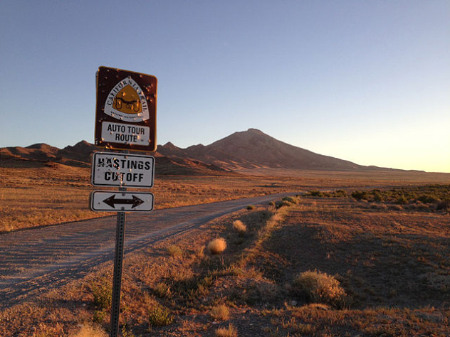 2014-06-29_05_19_20_Sign_for_the_California_Trail_along_Leppy_Pass_Road_near_Pilot_Peak,_Nevada