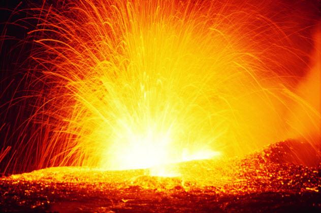 8-eruption-dv094011