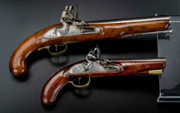 10-antique-guns-465604949
