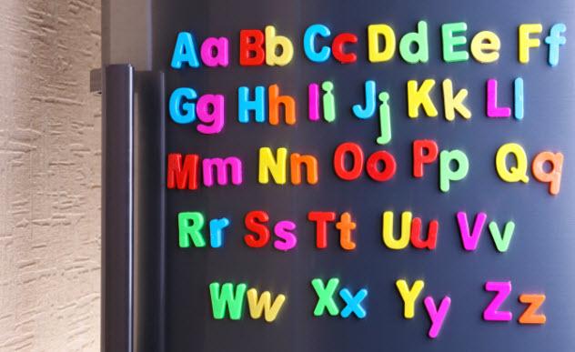 4-fridge-magnets-481243915