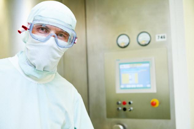 7b-sterility-dose_000076841961_Small