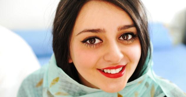 9-pakistani-woman_000026340524_Small
