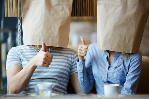 1-couple-wearing-paper-bags_000033107102_Small