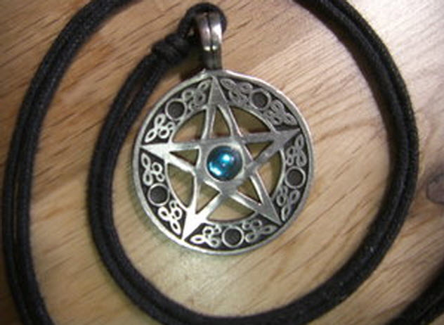 9-wicca-spiral-pentacle