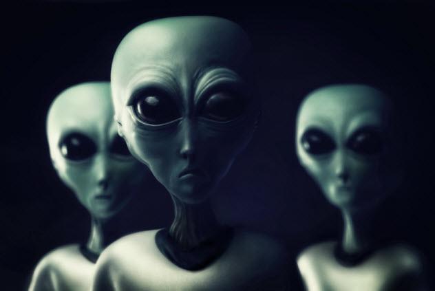 3-aliens_000021797874_Small