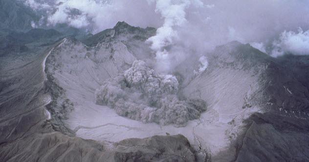 4-pinatubo-eruption