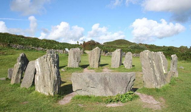 2a-drombeg-stone-circle
