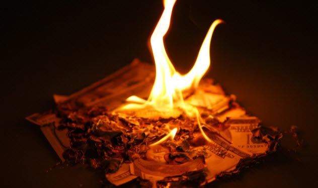 6a-burning-up-money_11355948_SMALL