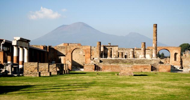 3a-pompeii_2765405_SMALL